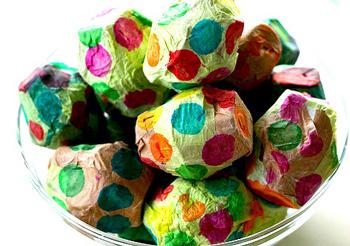 Детские поделки из картона к пасхе- Яички из контейнеров для яиц. далее.