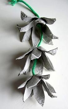 SuperCozyeggcartonflower