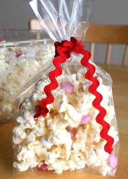 MakeAndTakeswhitechocolatepopcorn