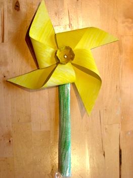 NurtureStore daffodil windmill