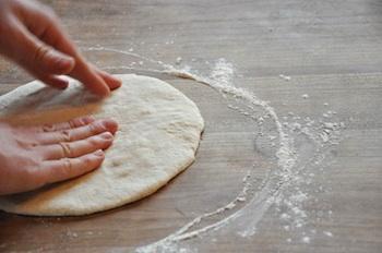 Italian pizza pat dough