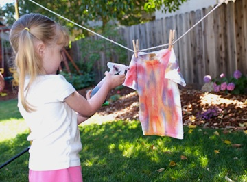 spray dye clothing with Kool-Aid