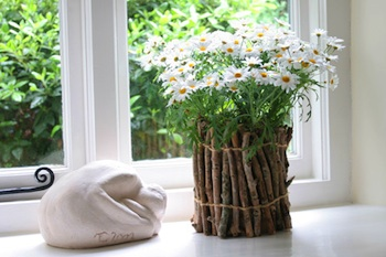 Nini Makes twig flower pot