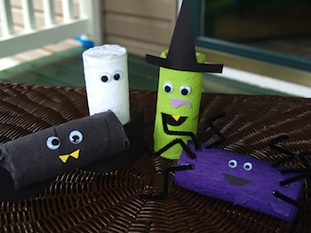 recycle cardboard tubes into Halloween treat holders