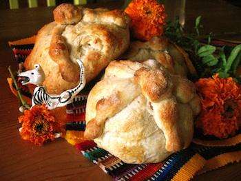 Spanglish Baby pan de muertos