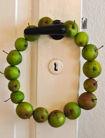 Lilla A apple wreath