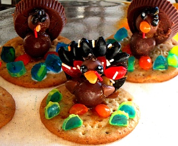 Craftberry Bush thanksgiving cookies using caramel glue