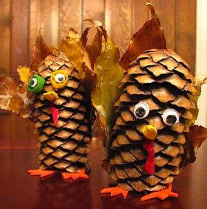 Naturally Educational pinecone turkey