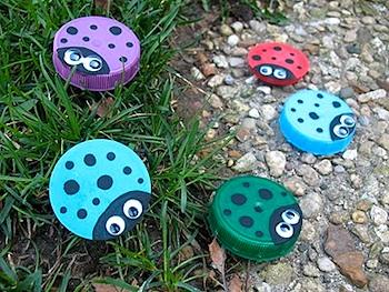 CraftsByAmandaplasticlidladybugs
