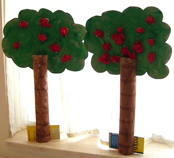 Lilly Cakes apple trees