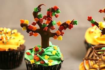 Edible Crafts fall tree cupcakes