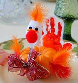 Elementary Art Fun mini pumpkin handprint turkey place cards