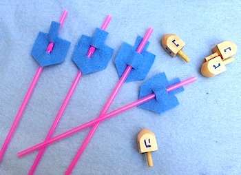 Creative Jewish Mom dreidel straw toppers