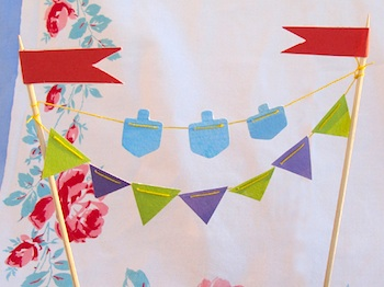 Creative Jewish Mom mini dreidel bunting