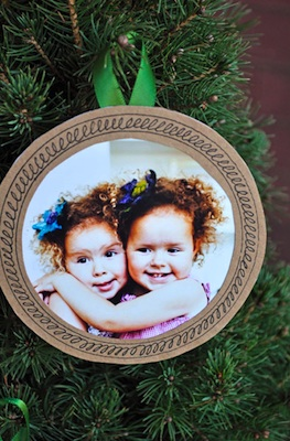 Bookhou Crafts photo frame ornaments
