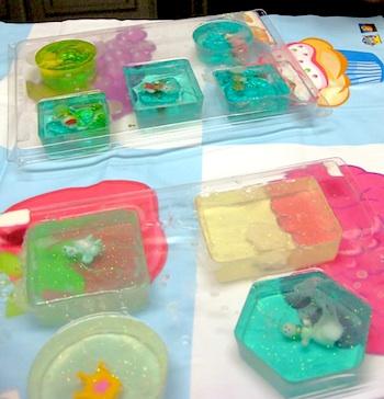 4 Crazy Kings diy treasure soap