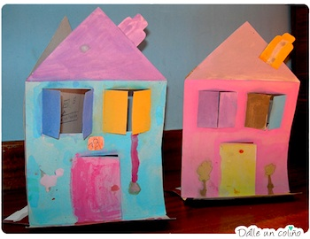 Dalle Un Colino box houses and puppets