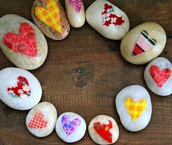Red Bird Crafts love rocks
