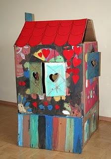 W poMyskowym swiecie cardboard house