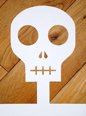 Mini-eco paper skeleton skull