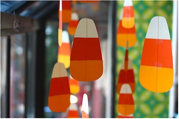 Poppytalk halloween candy corn garland