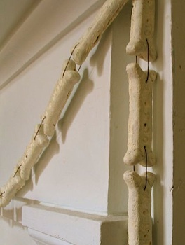 Urban Comfort halloween bone garland