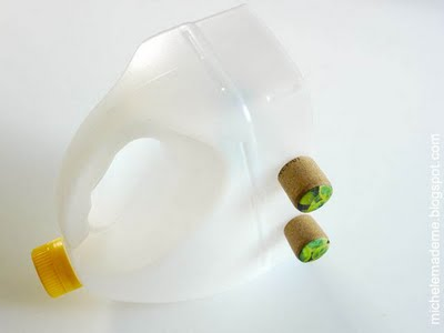 12 recycled shaker