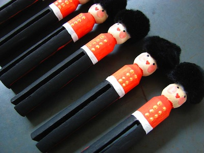 Aesthetic Outburst this is london queen's guard peg dolls 2