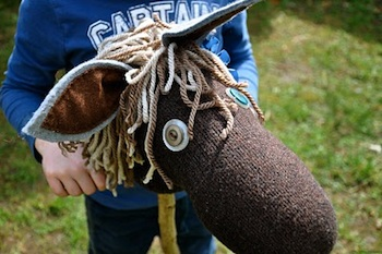 Emma Bradshaw hobby horse stick horse tutorial