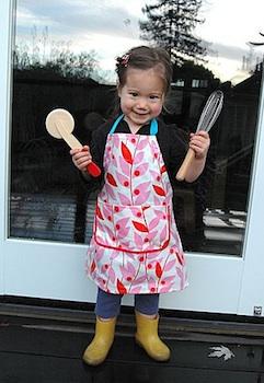 Stumbles & Stitches child sized apron diy