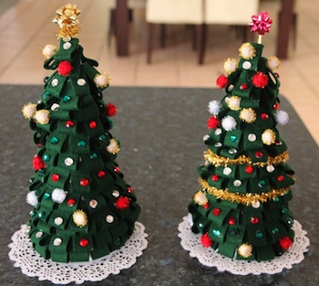 Inspiration Surrounds Creativity Abounds felt christmas tree diy