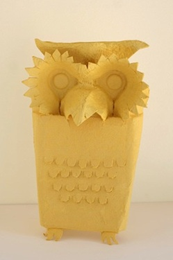 Nini Makes egg carton owl