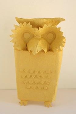 Nini Makes egg carton owl