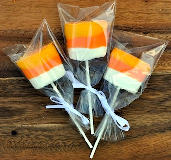 3 Kids And Us candy corn marshmallow treats