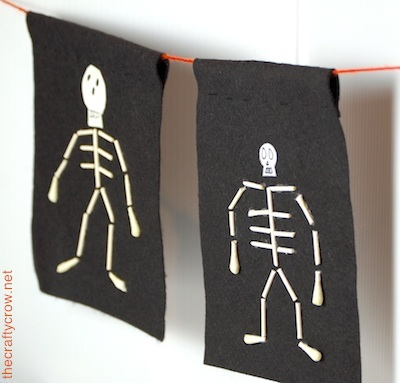 The Crafty Crow q-tip skeleton garland 2