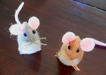 Rhythm & Rhyme cute mouse tutorial