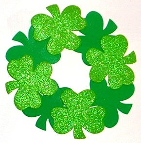 We Made That shamrock leaf wreath