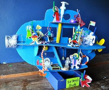 Se7en cardboard submarine