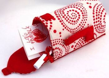 Giverslog valentine box fabric mailbox pattern