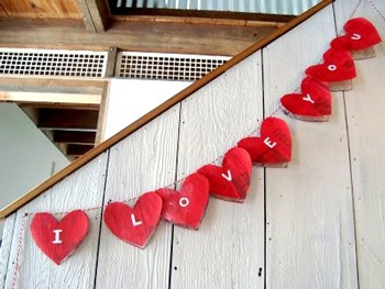 Maya*Made valentine craft paper heart garland