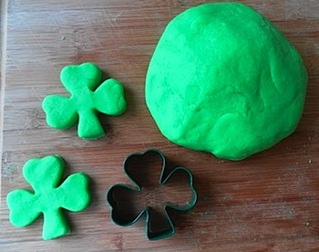 Rockabye Butterfly st. patrick's day playdough