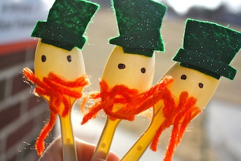 Preschool Daze spoon leprechauns