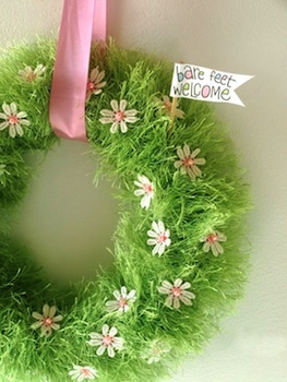 Capture The Details yarn grass wreath