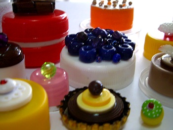 Anne Farrell plastic lid and bead cakes
