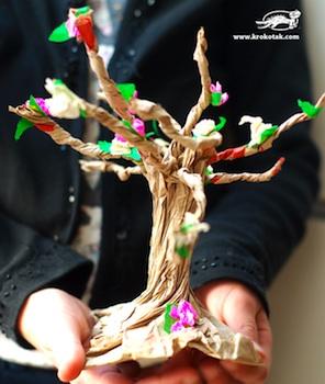 Krokotak twisted paper sack spring tree