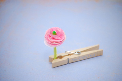Q-tips-spring-flowers-clothespin