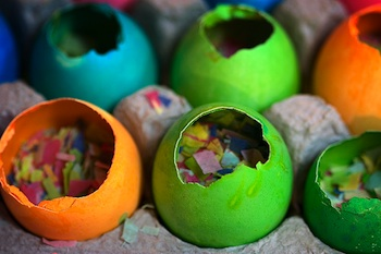 Playing By The Book confetti eggs