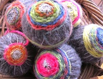 Prairie Mouse woven wool ball
