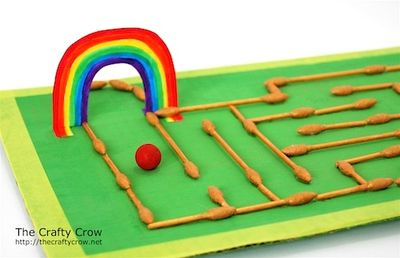 The Crafty Crow q-tip craft marble maze close-up