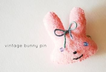 Wild Olive felt bunny pins